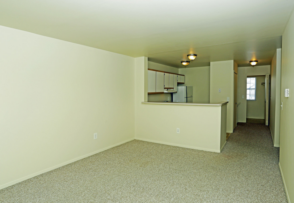 oakview square apartments chesterfield Michigan
